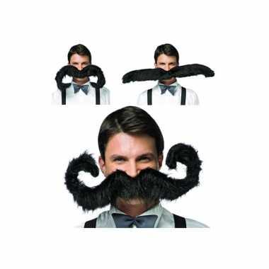 Mega grote zwarte snor carnaval kleding accessoire 75 cm